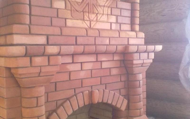 Вид на печь и ее декоративные элементы