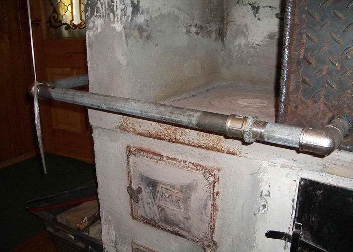 На даче имелась печка, и все, вроде бы, было хорошо, но не покидала навязчивая идея: сделать отопление лучше
